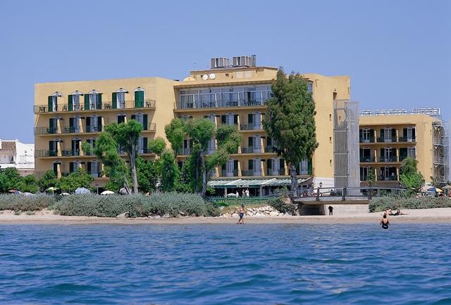 hotel coral platja roses costa brava rosas girona espa a. Black Bedroom Furniture Sets. Home Design Ideas