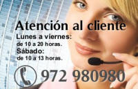 recepcionist girl in a call center